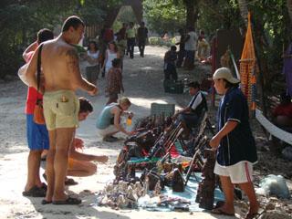 Acoso contra artesanos en Chichén Itzá