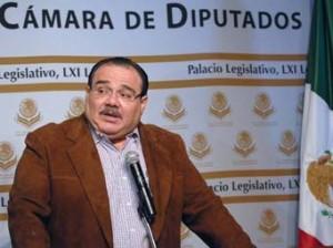 DIP.PRES JORGE CARLOS RAMIREZ MARIN CON REPORTEROS