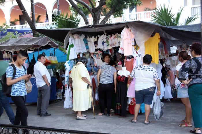Comerciantes piden que se extienda m rida en domingo for Oficina de turismo de merida